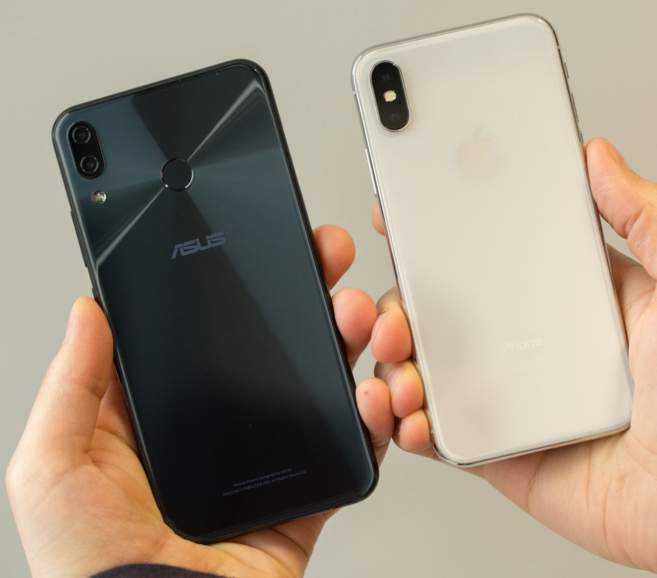 ZenFone 5Z vs iPhone X (back)