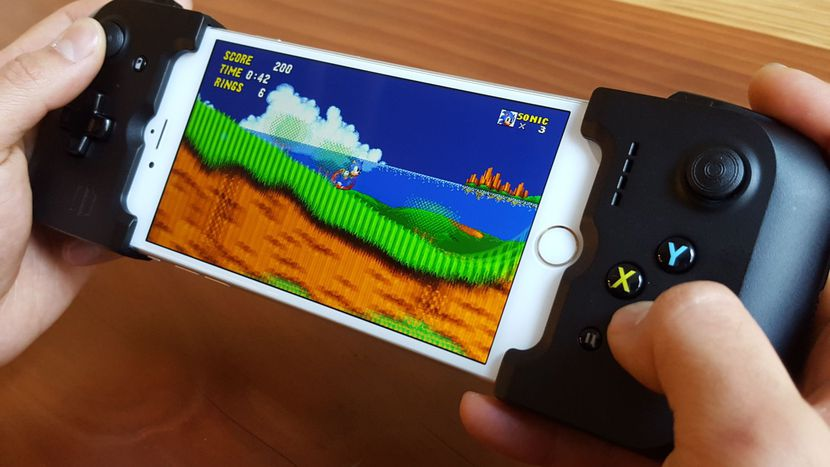 iPhone gamepad