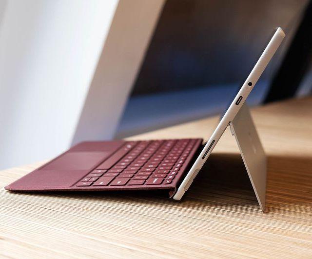 Surface Go (1)