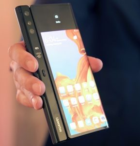 huawei-mate-x-hands-on-1