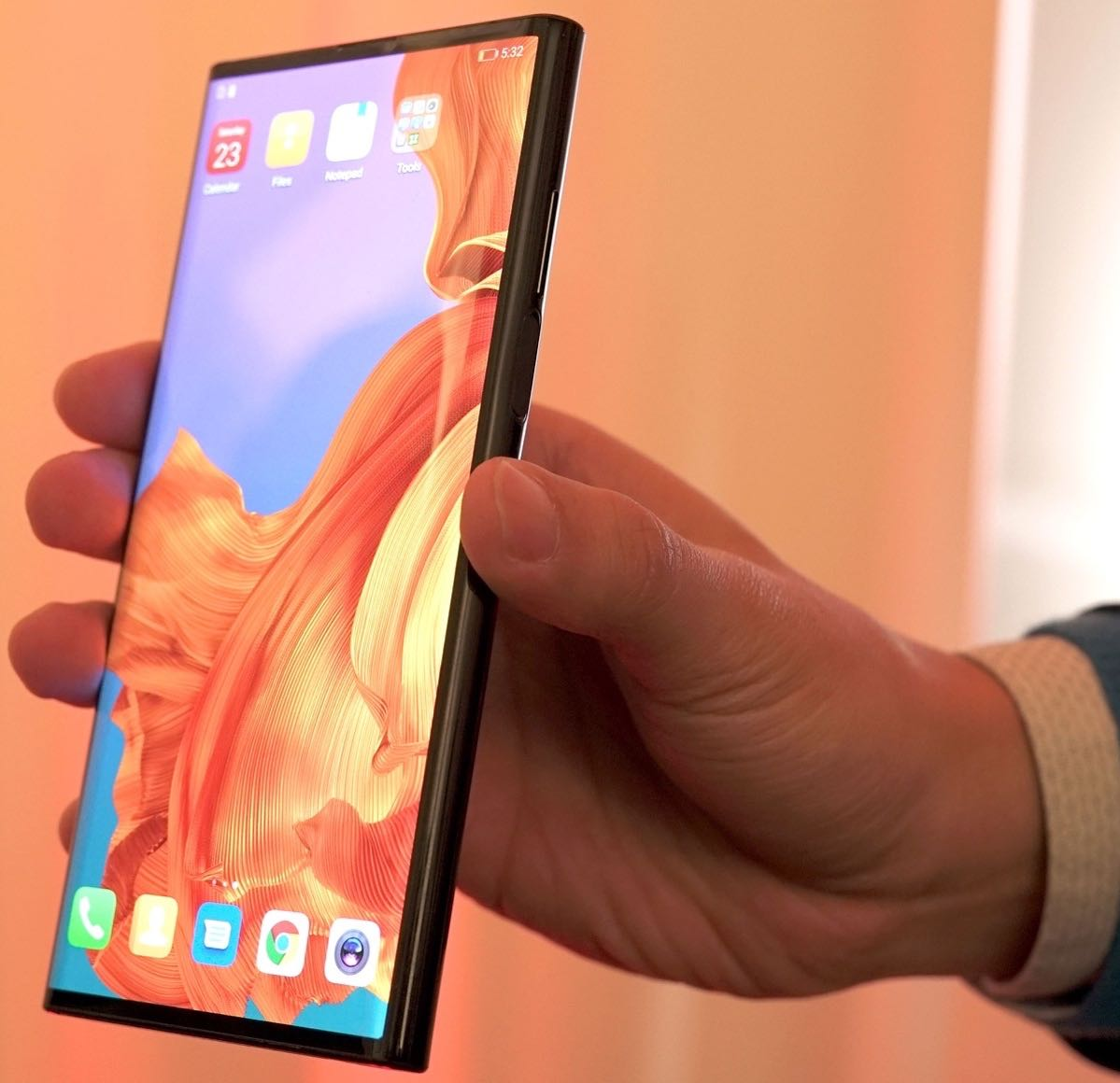 huawei-mate-x-hands-on-2