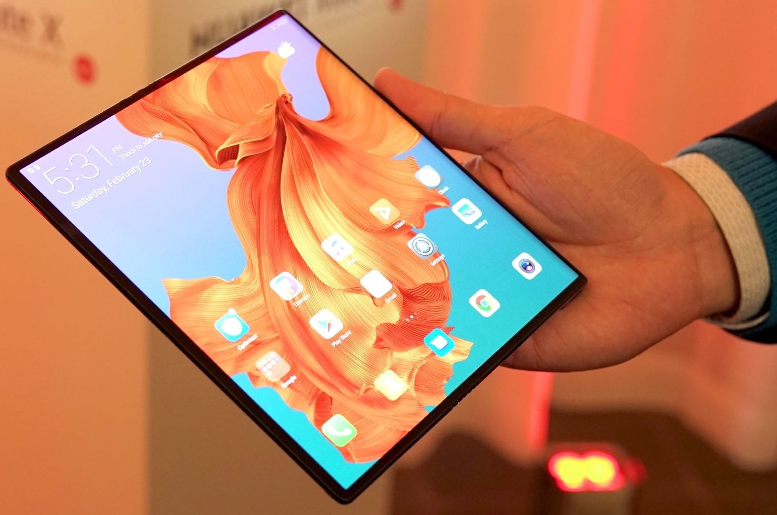 huawei-mate-x-hands-on-3